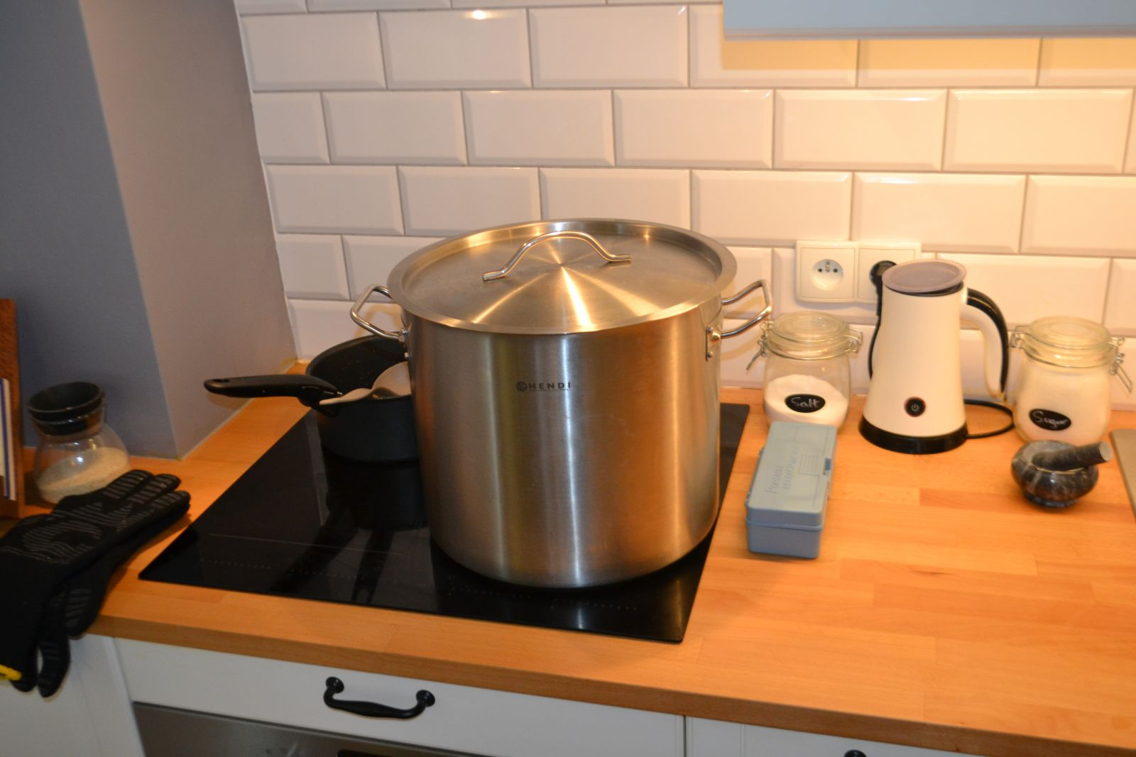 Boil Setup with 21 L Pot on Stove