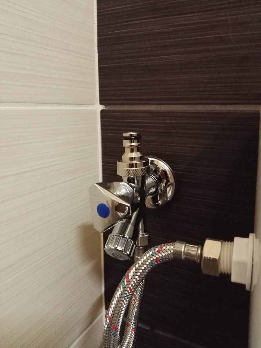 Dual-output water supply for chilling
